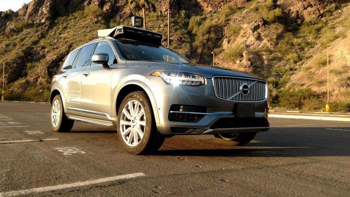 Uber a anunțat că va opri programul de dezvoltare a camioanelor care se conduc singure