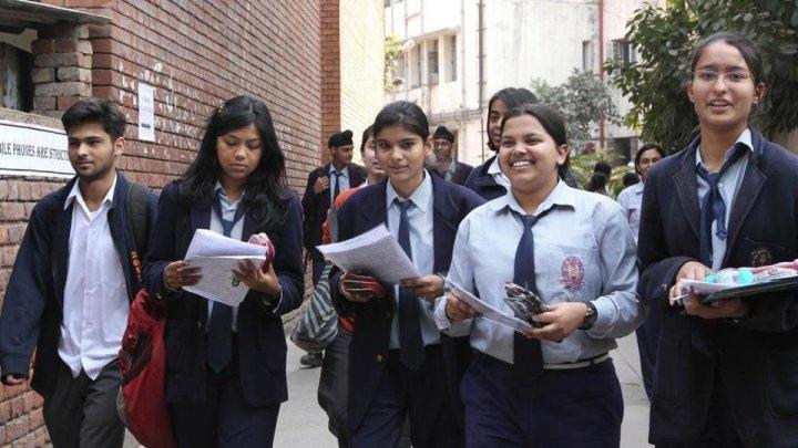 Elevii din școlile din India învaţă ce trebuie să facă pentru a fi fericiţi
