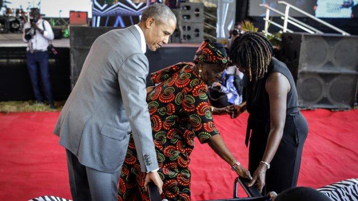 (VIDEO SENZAŢIONAL) Obama a mers în vizită în Kenya și și-a luat bunica la dans