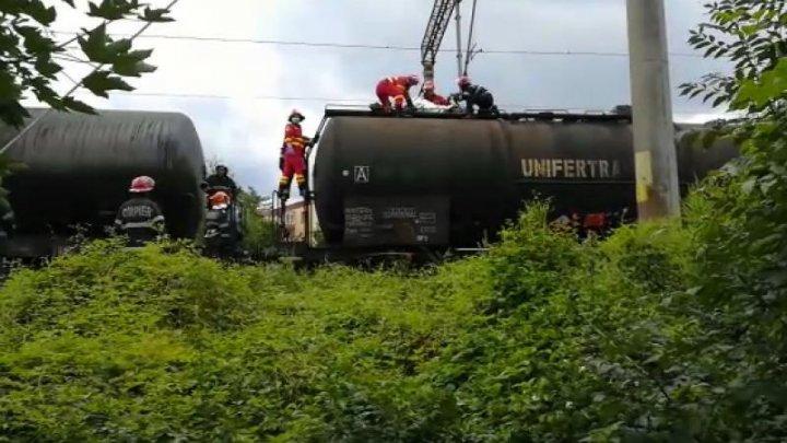 Selfie mortal. Un tânăr din Braşov a fost electrocutat după ce s-a urcat pe un vagon