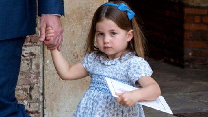 A uimit pe toată lumea! Ce le-a spus Prințesa Charlotte fotografiilor prezenți la botezul Prințului Louis (FOTO)