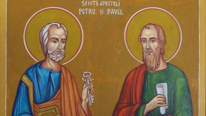 Tradiţii şi obiceiuri de Sfinţii Petru şi Pavel. Toţi creştinii TREBUIE SĂ FACĂ ASTA pentru a avea noroc