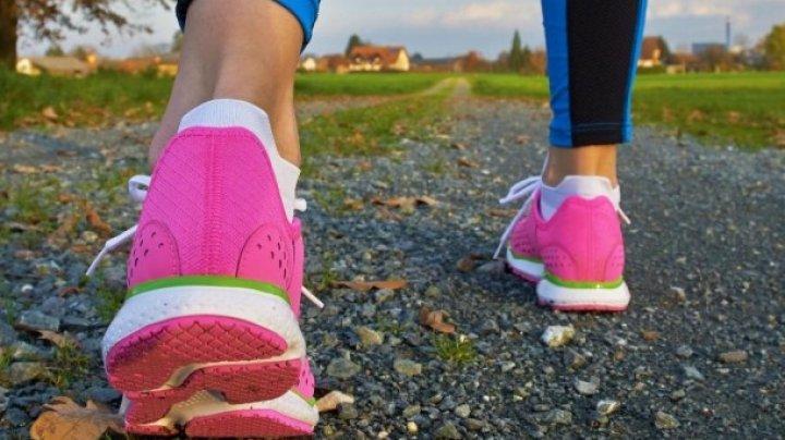Cum îți menții creierul sănătos folosindu-ți picioarele