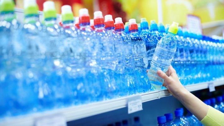STUDIU: Pericolul ascuns din sticlele de plastic
