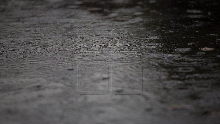 AVERTIZARE DE INUNDAŢII: Nivelul apei în mai multe râuri ar putea creşte