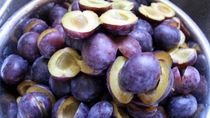 TREBUIE SĂ ŞTII! Ce se întâmplă în corpul tău când mănânci prune