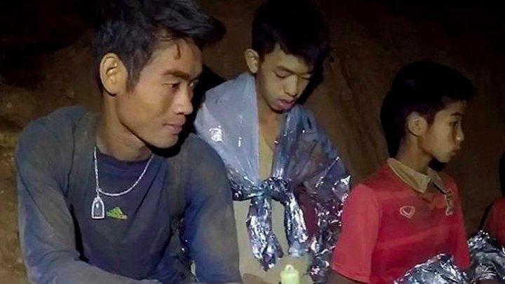 Ce se va întâmpla cu antrenorul din Thailanda care şi-a dus discipolii în peştera inundată