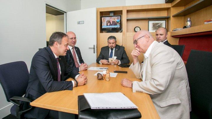 Vicepreședintele Parlamentului European la întrevederea cu Candu şi Filip: Nu interveniți în actul justiției, cum cer unii. E o provocare