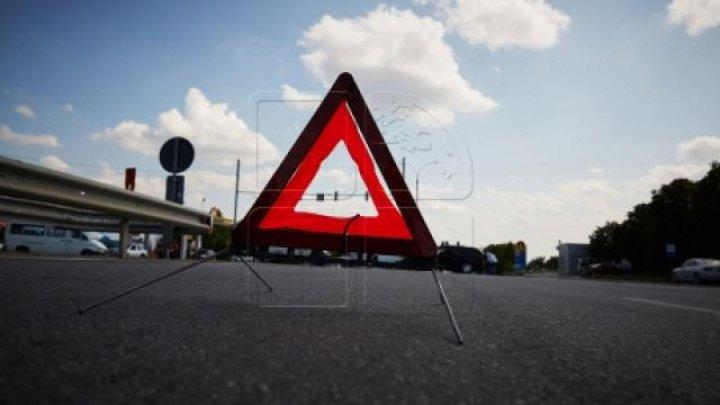 ACCIDENT RUTIER ÎN CENTRUL CAPITALEI. Strada unde se circulă cu dificultate