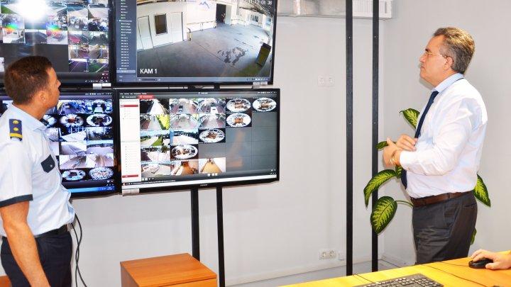 340 de camere video pentru zonele de control vamal. Monitorizarea are loc în regim non-stop