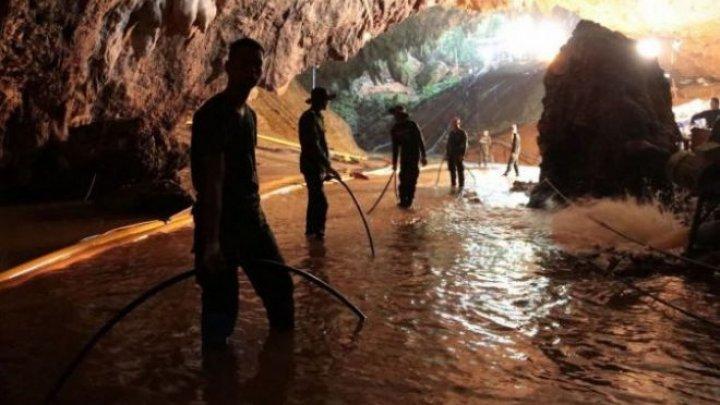 Vești bune din Thailanda. Salvatorii au scos încă un băiat din peșteră