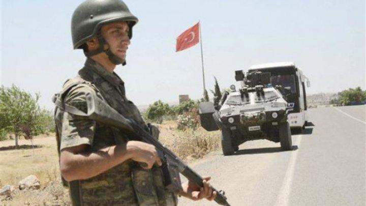 Zeci de militari din Turcia, condamnaţi la închisoare pe viaţă pentru participare la puciul eşuat