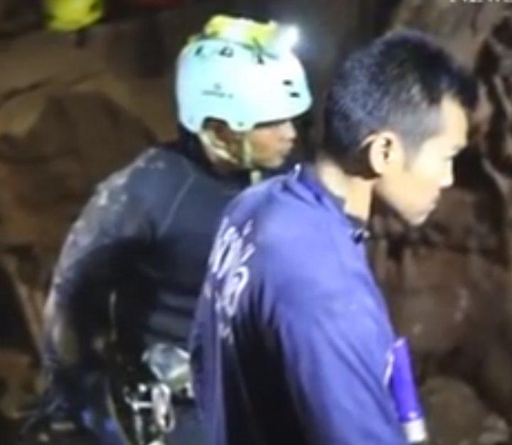 IMAGINI INCREDIBILE din timpul salvării copiilor blocaţi în peştera inundată din Thailanda (FOTO/VIDEO)