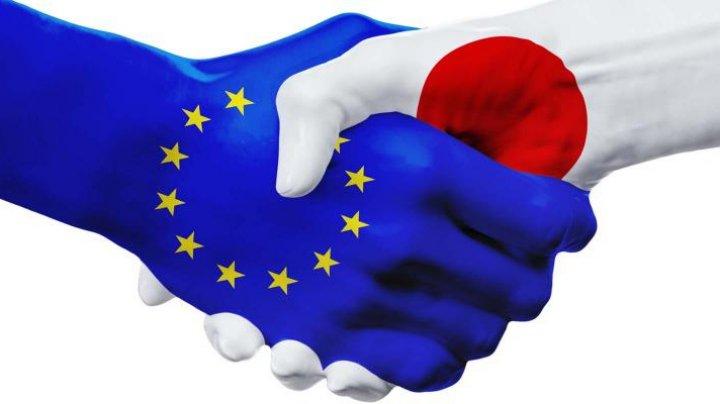 UE şi Japonia au semnat unul dintre cele mai mari acorduri de liber schimb din lume