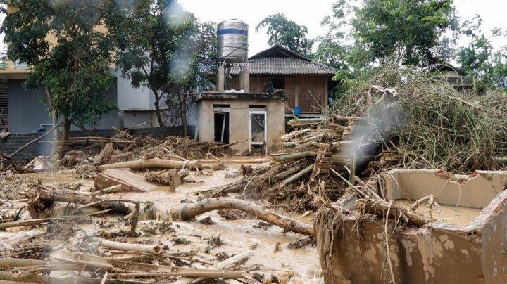 Furtuna tropicală Son Tinh a ucis 27 de oameni în Vietnam