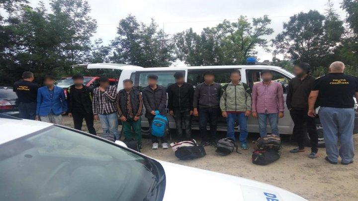 8 pakistanezi şi 2 indieni au încercat să treacă ilegal frontiera cu Ucraina. Unde doreau să ajungă