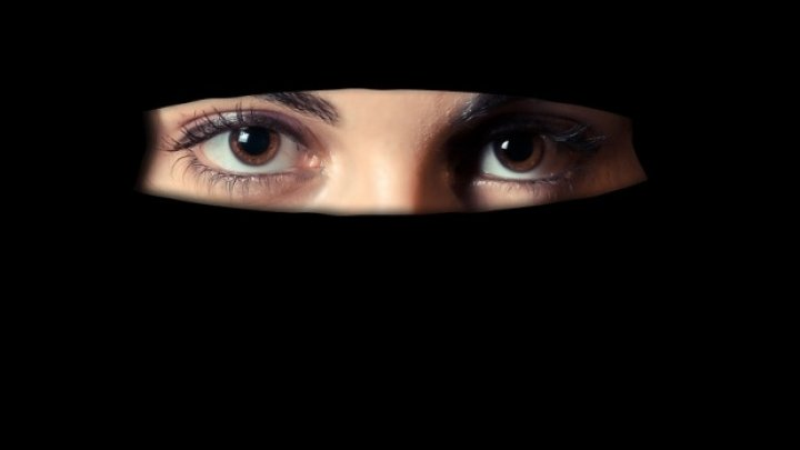 Porți aparat dentar? Lucruri care sunt interzise cu desăvârșire în lumea arabă