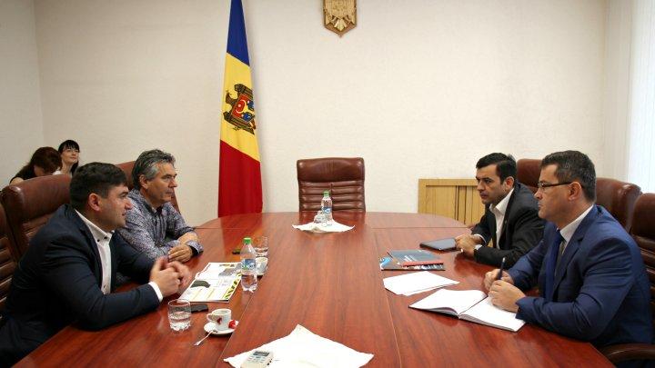 Ministrul Economiei și Infrastructurii identifică tehnologii noi pentru întreținerea drumurilor naționale și locale în perioada rece a anului