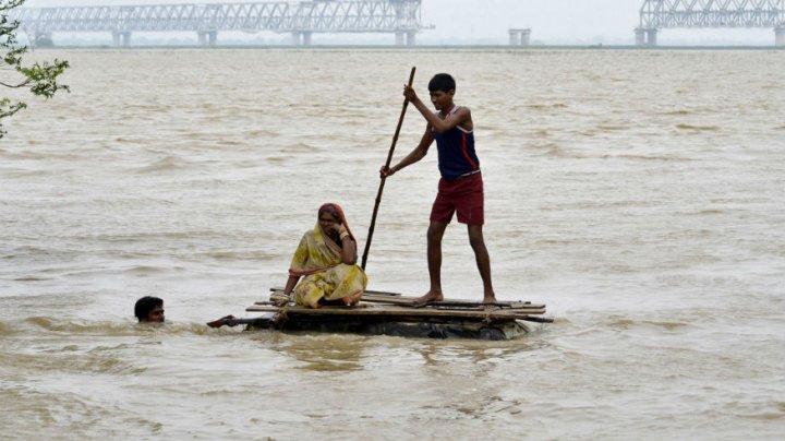 Ploi torenţiale în India. 39 de decese, daune de 1,1 miliarde de dolari şi circa 33.000 de persoane evacuate