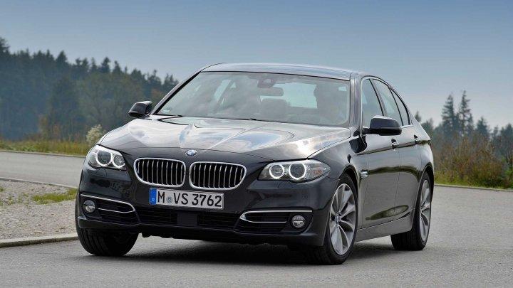 BMW recheamă în service peste 300 de mii de maşini. Ce defecţiune a fost identificată