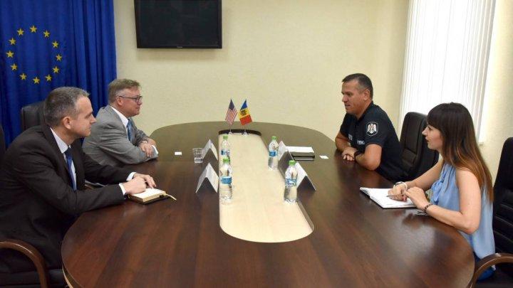 Alexandru Pînzari a avut o întrevedere oficială cu ofițerul de legătură din cadrul Biroului Federal de Investigații la Ambasada SUA cu sediul la București