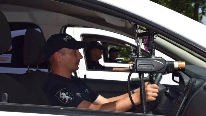 Atenţie, şoferi! INP pune în trafic MAŞINI CAPCANĂ CU RADAR cu numere CIVILE
