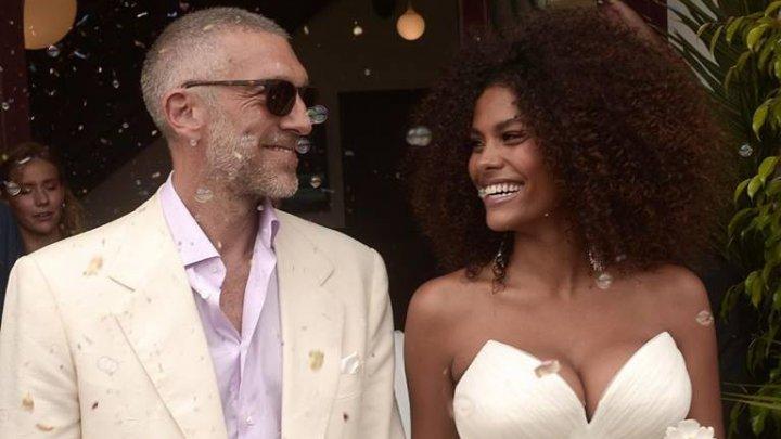 Actorul Vincent Cassel şi modelul Tina Kunakey s-au căsătorit. Unde a avut loc ceremonia