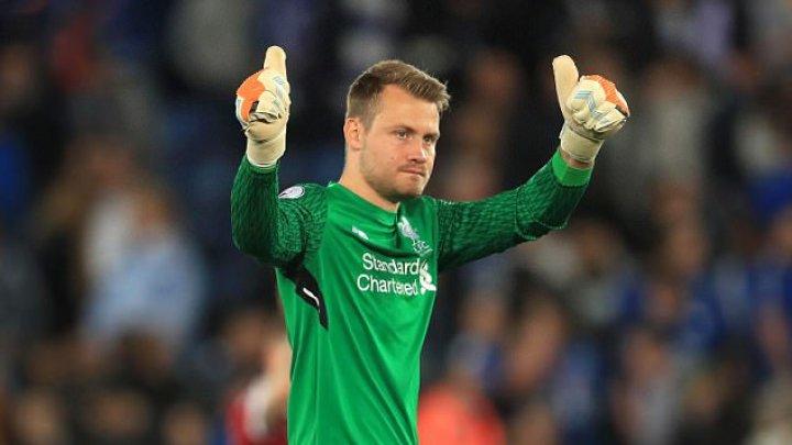 Liverpool nu acceptă plecarea portarului Simon Mignolet