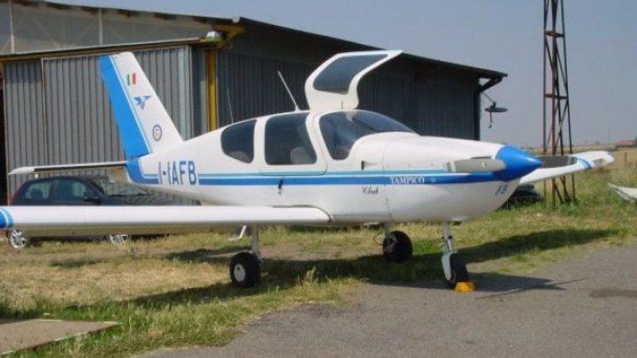 Un avion de mici dimensiuni a aterizat de urgenţă pe un câmp din Ştefan Vodă