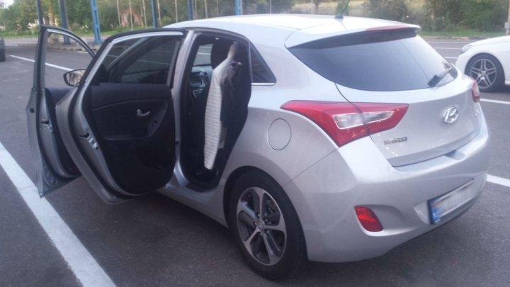 Surpriză neplăcută pentru un moldovean. Ce a aflat la vamă despre maşina pe care şi-a cumpărat-o din Chişinău