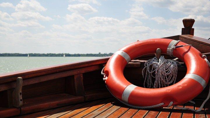 ESTE BINE SĂ ȘTII! Ce este înecul uscat: afecţiunea care poate ucide chiar şi la o zi după ce ai fost la mare