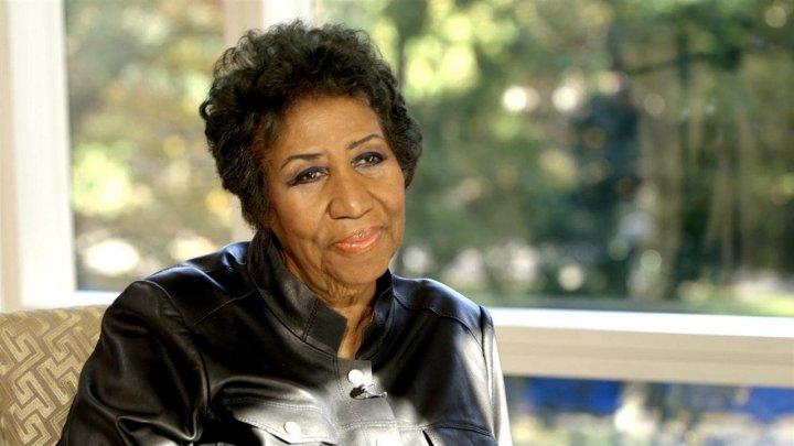 Cântăreaţa americană Aretha Franklin se află într-o stare gravă, potrivit unui apropiat