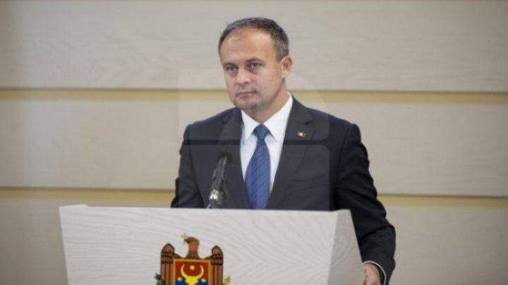 Andrian Candu îi cere Maiei Sandu să răspundă cetățenilor despre beneficiile financiare primite de la oligarhul Ablyazov
