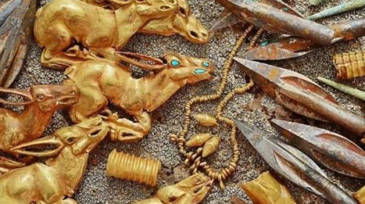 O comoară străveche cu sute de bijuterii din aur, vechi de peste un mileniu, descoperită în Kazahstan