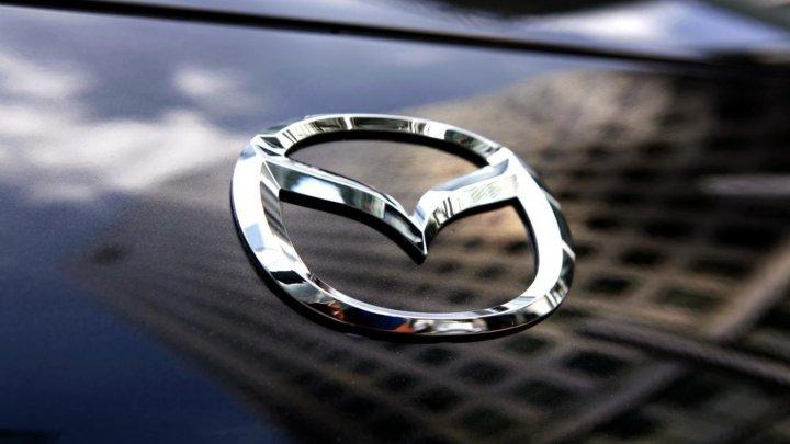 Mazda și Suzuki, acuzate că au trucat testele de emisie pentru mai multe maşini