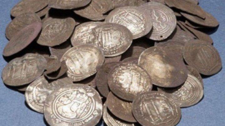 Arheologii au descoperit o comoară în cimitirul unei mănăstiri din Iași