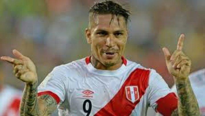 Peruanul Paolo Guerrero a semnat un contract pe trei ani cu Internacional Porto Alegre