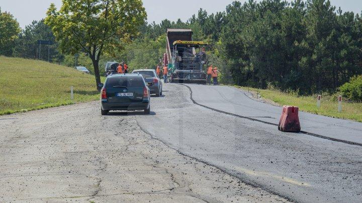 Programul Drumuri bune pentru Moldova. La Teleneşti vor fi reabilitate 42 de porţiuni