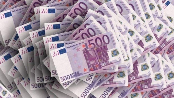 Comisia UE acordă Bosniei ŞASE milioane de euro pentru găzduirea de migranţi şi controlul frontierelor