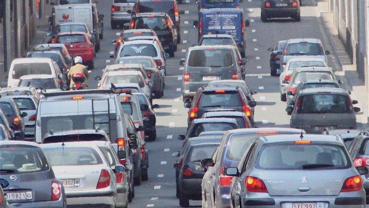 Producătorii auto din Europa riscă să plătească amenzi de 14 miliarde de euro către UE
