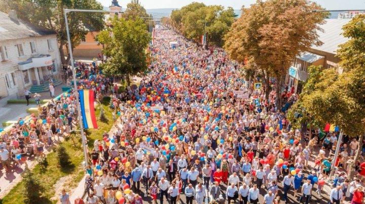 Marșul Patrioților Moldovei la Orhei a adunat peste 20 de mii de oameni din toată țara (FOTO)