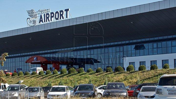 Moldovenii din diaspora, dar şi turiştii care au venit să ne viziteze ţara au primit paşaportul turistului