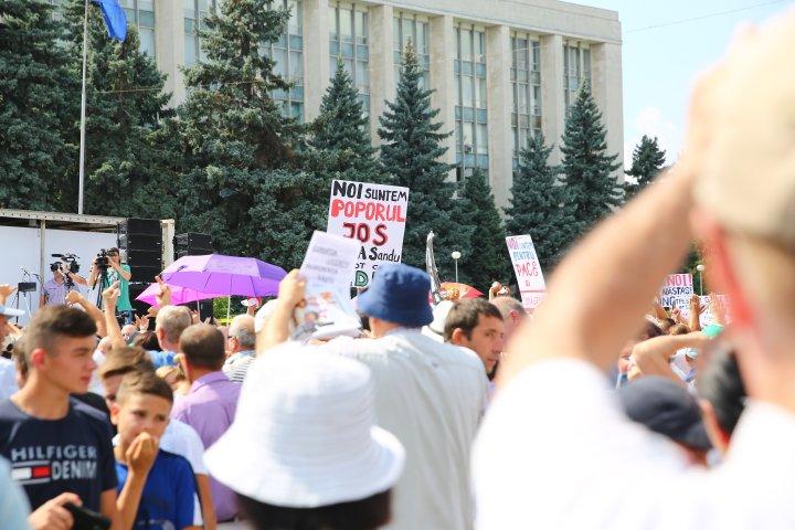 Manifestaţii politice în PMAN. Partidele de opoziţie s-au lansat în campanie electorală (FOTOREPORT)