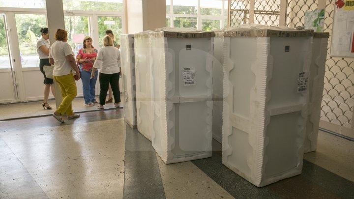 13 grădinițe din sectorul Centru al Capitalei au primit câte un frigider nou (FOTOREPORT)