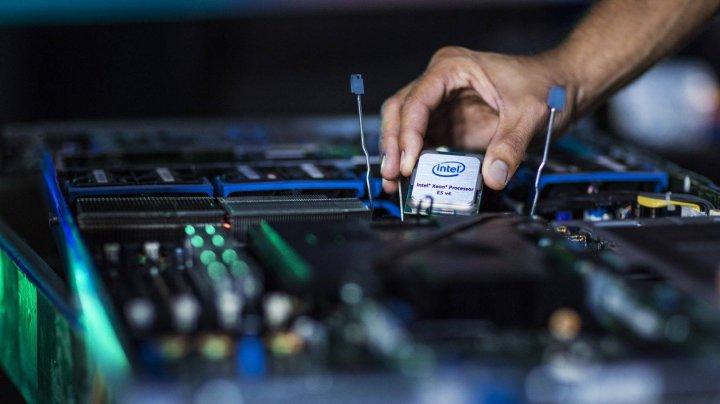 Intel anunță trei noi vulnerabilități cibernetice care afectează procesoarele din seriile Core și Xeon