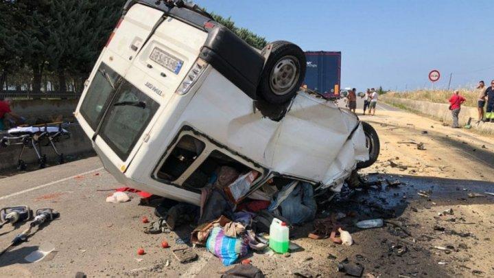 Doisprezece muncitori au murit într-un groaznic accident rutier produs în sudul Italiei
