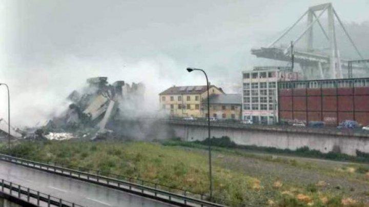 PRIMELE IMAGINI din elicopter cu podul din Genova care s-a prăbușit. Mașini și oameni, înghițiți de praf și ruine (VIDEO)