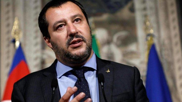 Justiția italiană a deschis o anchetă împotriva ministrului de interne Matteo Salvini