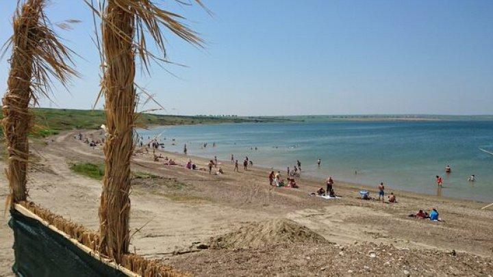 În oraşul algerian Oran s-a desfăşurat primul Campionat Naţional de lupte pe plajă