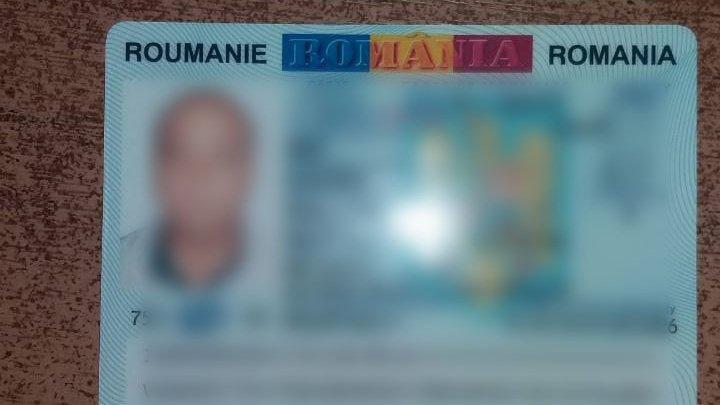 Un moldovean a încercat să ajungă în Franţa cu o carte de identitate românească falsă